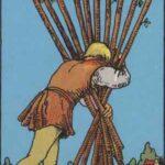 Zehn der Stäbe - Tarot Karte Deutung und Beschreibung